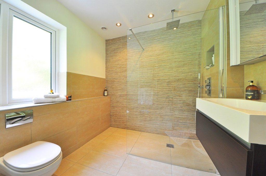 bathroom-1336165_1280-1024x680